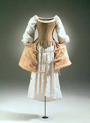 corset-chemise-pocket-hoops