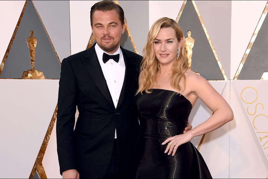 Leonardo-DiCaprio-et-Kate-Winslet-lors-de-la-ceremonie-des-Oscars-2016