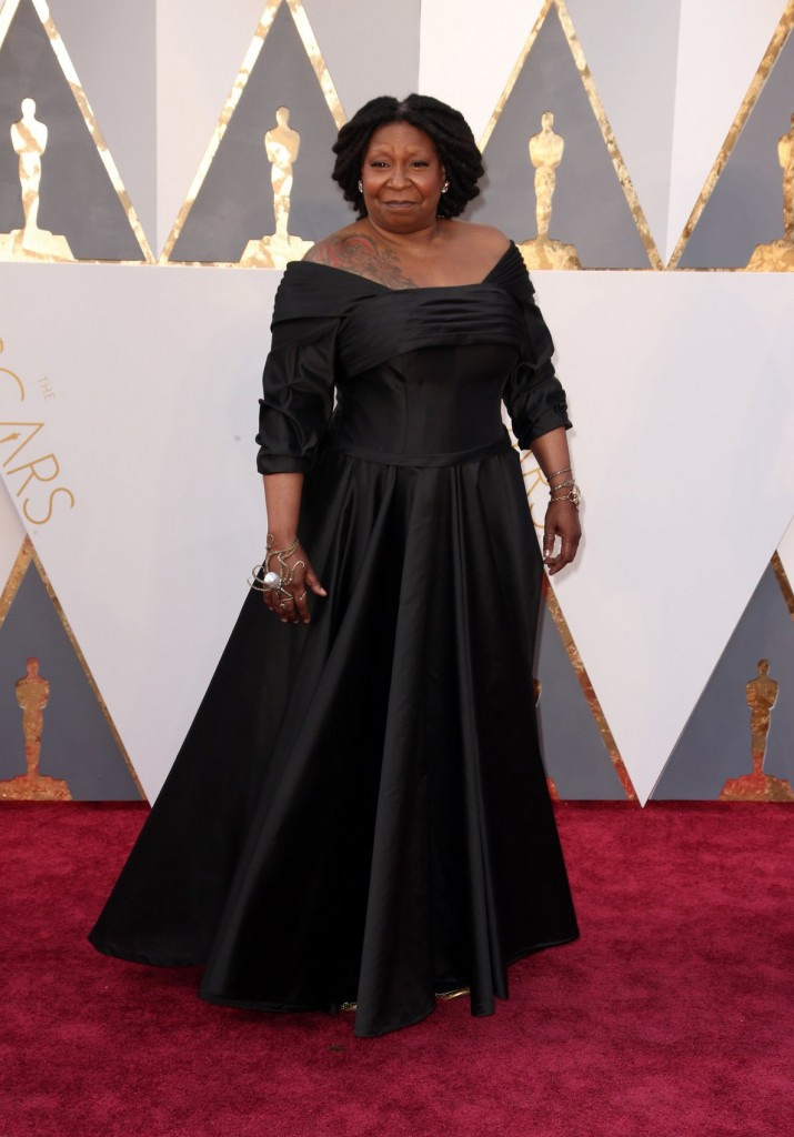whoopi-goldberg-oscars-red-carpet-2016