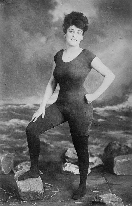 photo-histoire-anna-kellerman-premier-maillot-bain-femme-une-piece